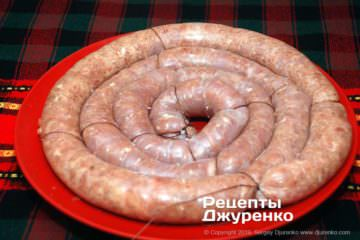 Шаг 4: перевязать колбасу ниткой