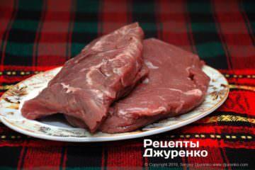 Как приготовить Ромштекс. Шаг 2: куски говядины