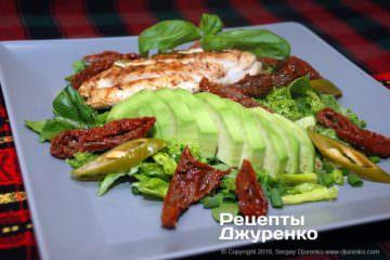 Фото рецепта салат с вялеными помидорами