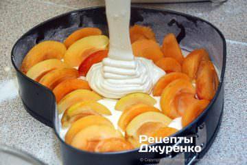 Крок 6: заливка тіста на начинку
