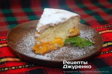 Фото рецепта шарлотка з абрикосами