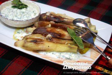 Готовое блюдо запеченные баклажаны