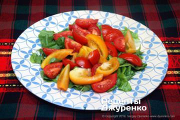 Шаг 2: томаты для салата