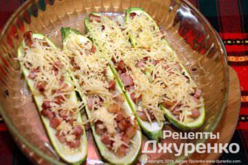 Шаг 7: кабачки под сыром