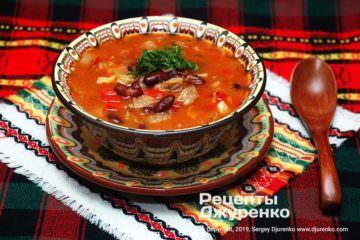 Фото рецепта суп из красной фасоли