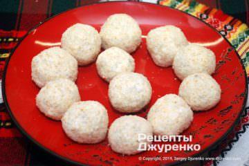 Шаг 2: шарики из сыра в панировке
