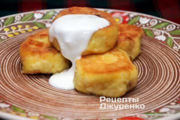 Фото рецепта сирники зі сметаною
