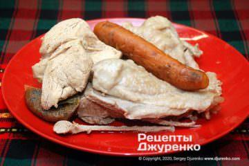 Шаг 2: сваренное мясо