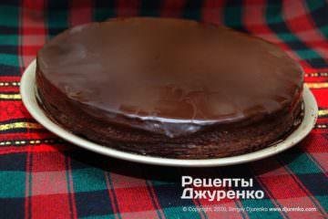торт з шоколадного бісквіту