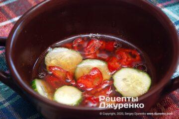 Шаг 2: кисло-острый соус