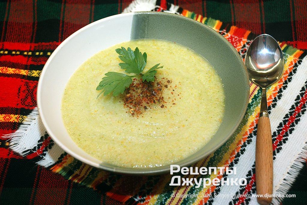 Диетический суп из измельченных в пюре отваренных овощей.