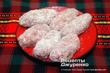 Шаг 4: панировка хлебной крошкой