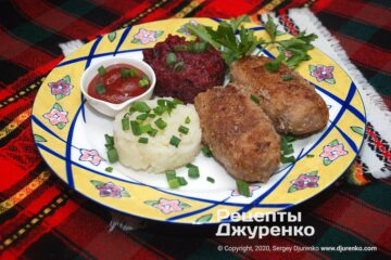 Готовое блюдо котлеты из говядины
