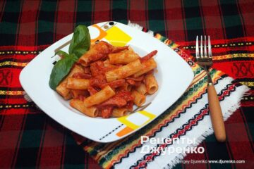Фото рецепта макароны с сосисками