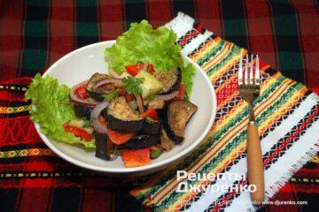 Фото рецепта салат с баклажанами
