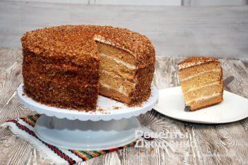 Фото рецепта святковий торт медовик