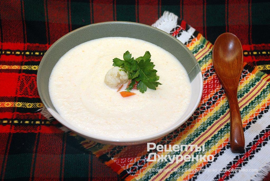 суп з цвітної капусти з вершками
