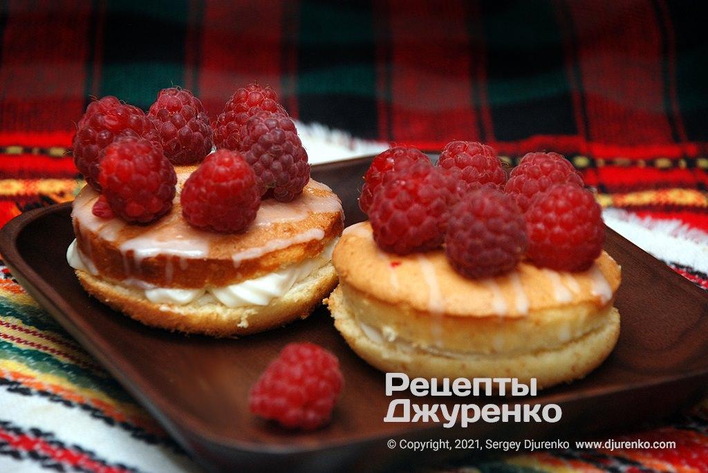 пирожные из бисквита