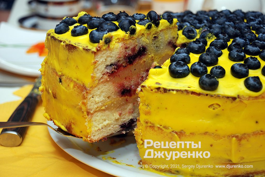 торт Лимон-Чорниця